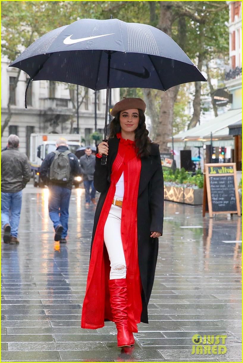 camila cabello london rain trend fake friends 01