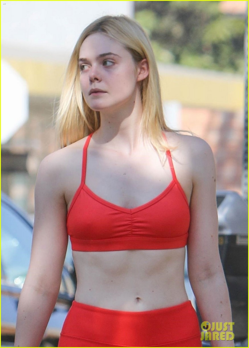 elle fanning shows off fit figure in studio city 04