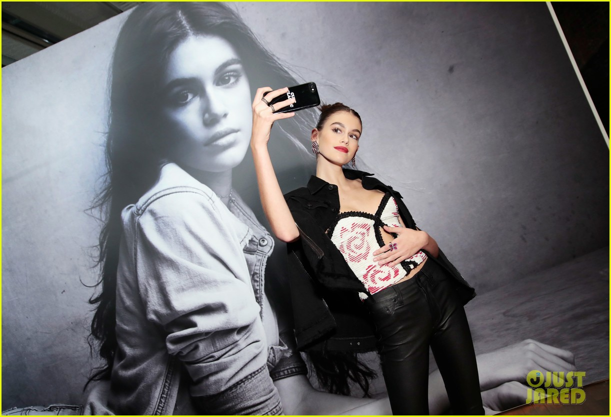 kaia gerber celebrates her hudson jeans collaboration 02