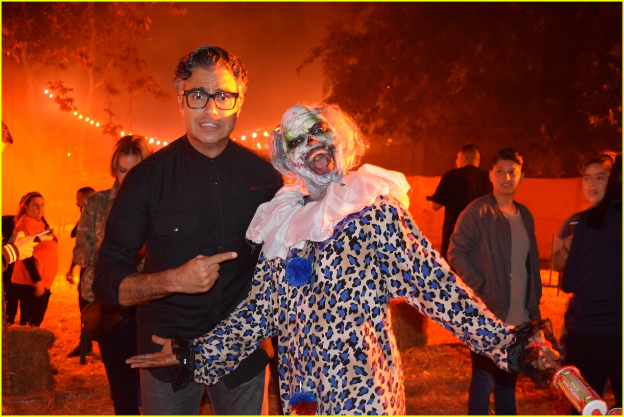 these celebs got spooked on the la haunted hayride 04