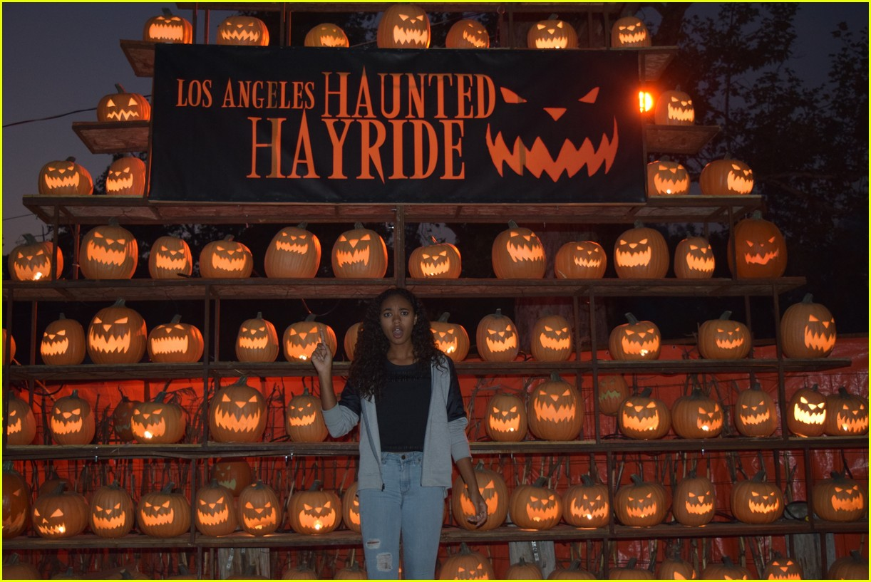 these celebs got spooked on the la haunted hayride 06