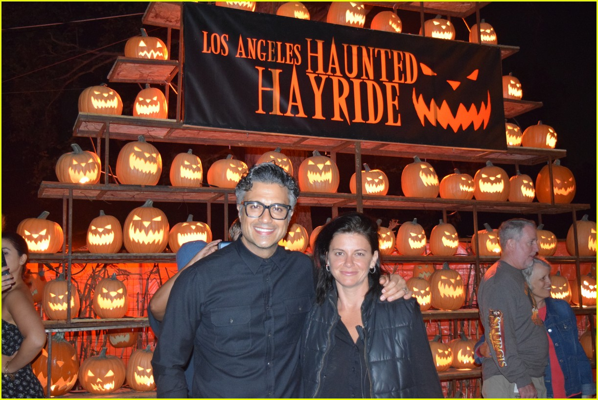 these celebs got spooked on the la haunted hayride 09