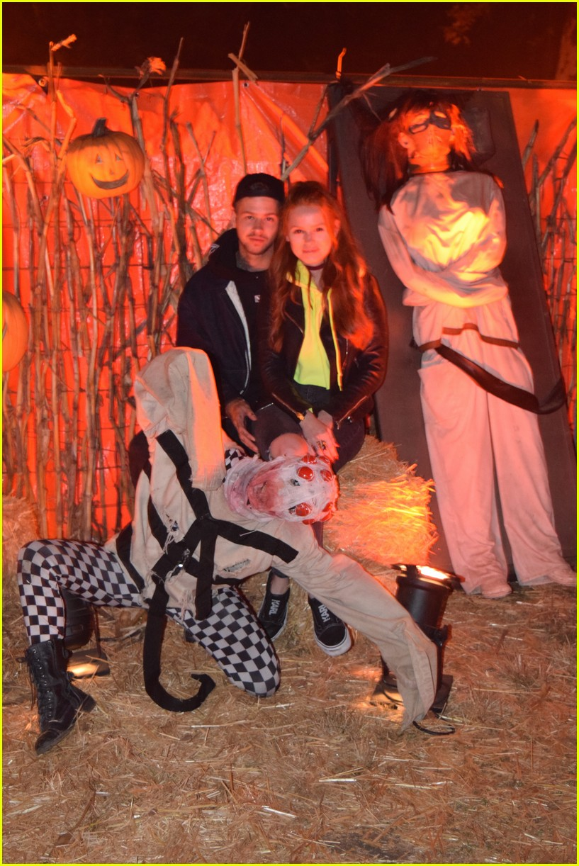these celebs got spooked on the la haunted hayride 18