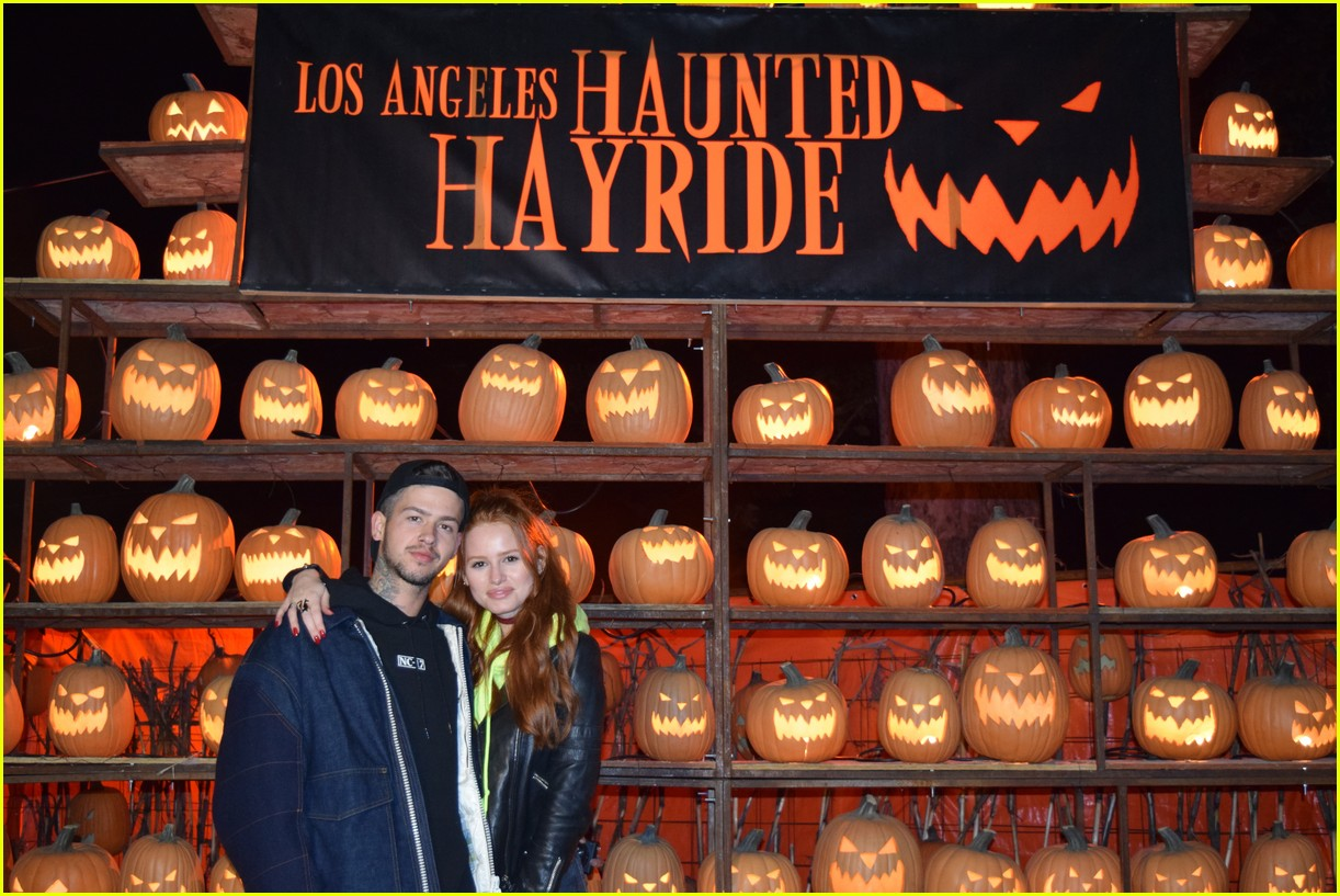 these celebs got spooked on the la haunted hayride 21