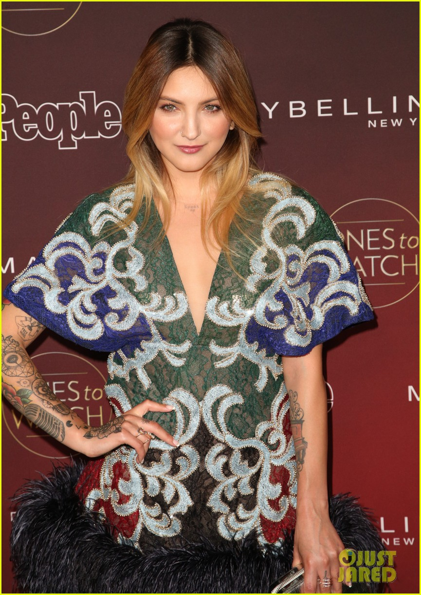 paris jackson julia michaels sasha pieterse more step out for people mags ones to watch party 03
