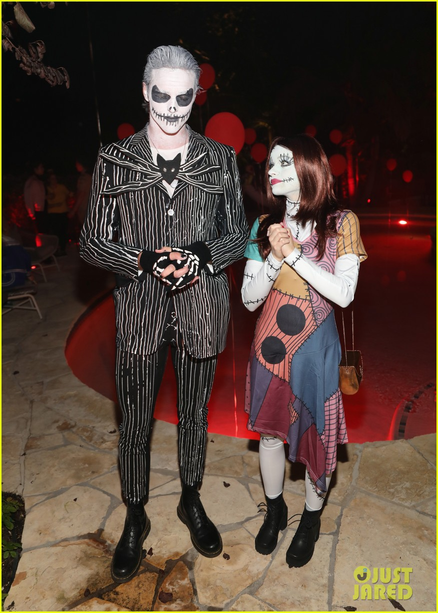 joey king just jared halloween party 05