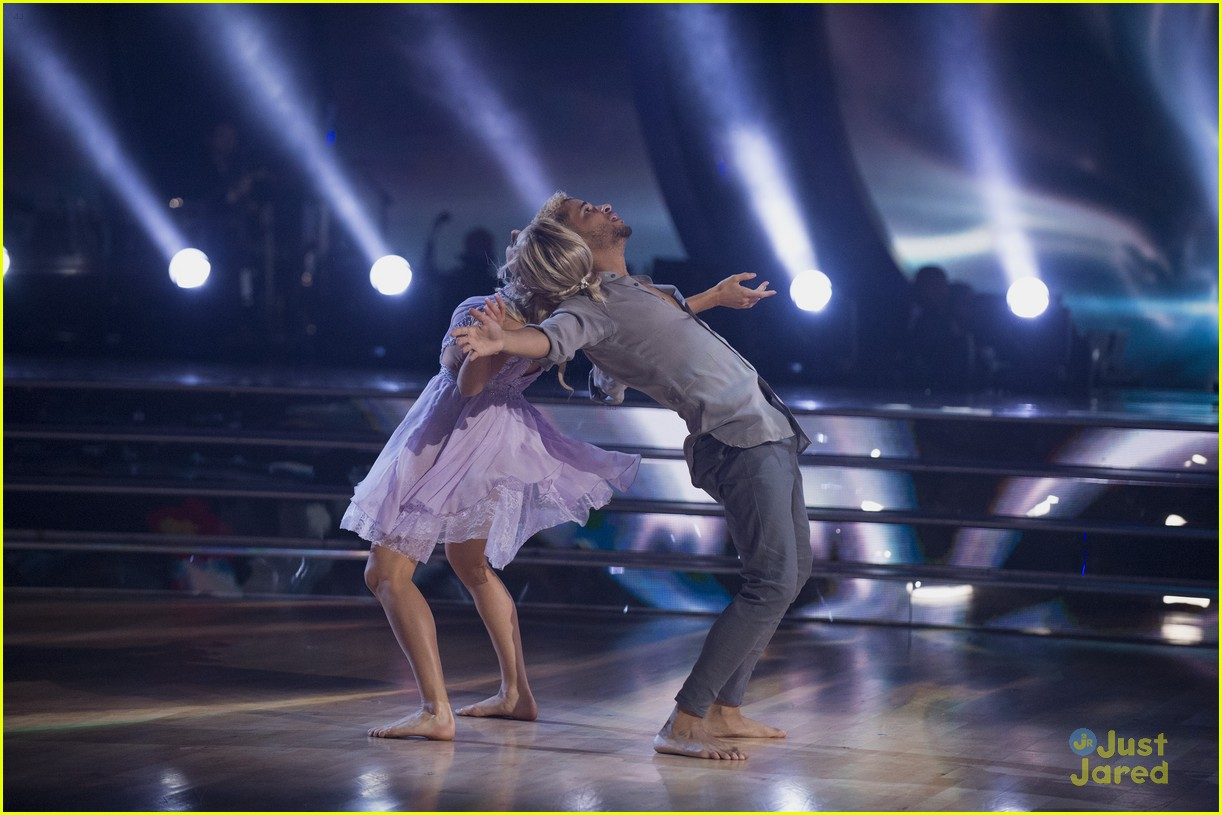 jordan fisher parents emotion dwts lindsay arnold 04