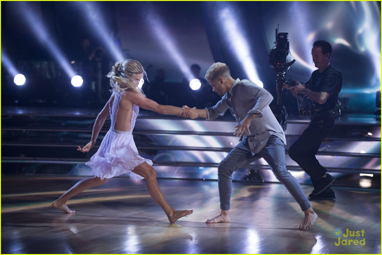 jordan fisher parents emotion dwts lindsay arnold 18