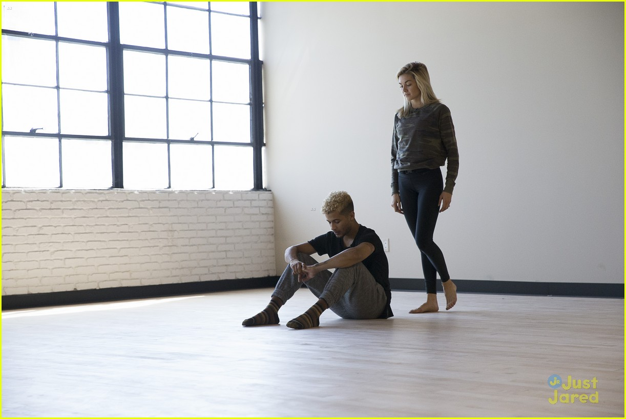 jordan fisher parents emotion dwts lindsay arnold 21