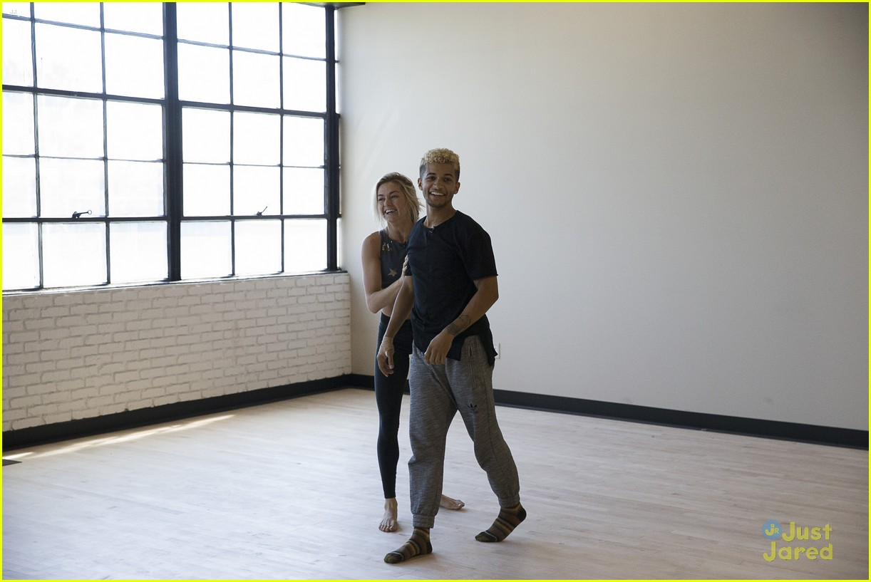 jordan fisher parents emotion dwts lindsay arnold 26