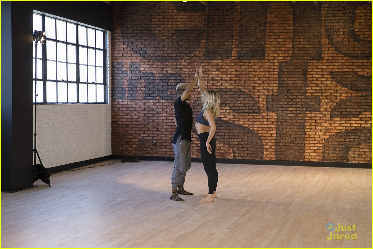 jordan fisher parents emotion dwts lindsay arnold 27