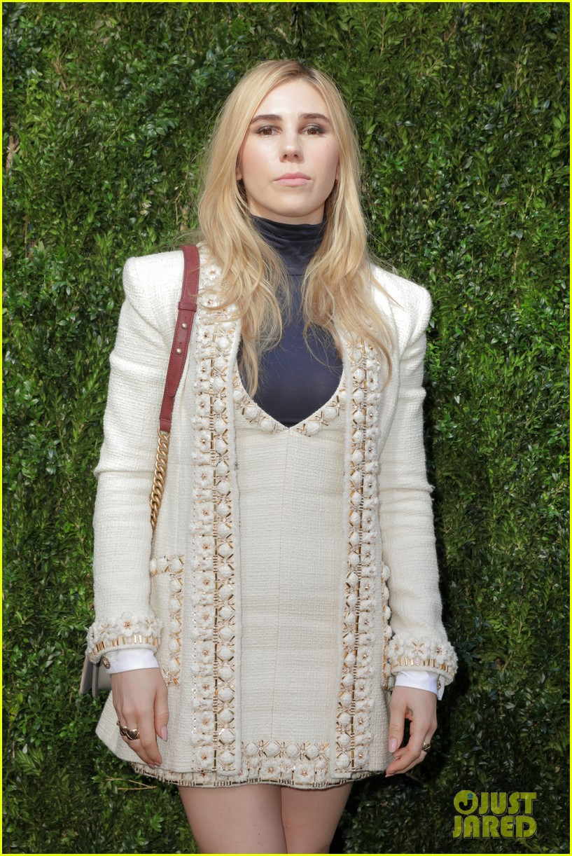 elizabeth olsen dakota fanning tribeca chanel event 29