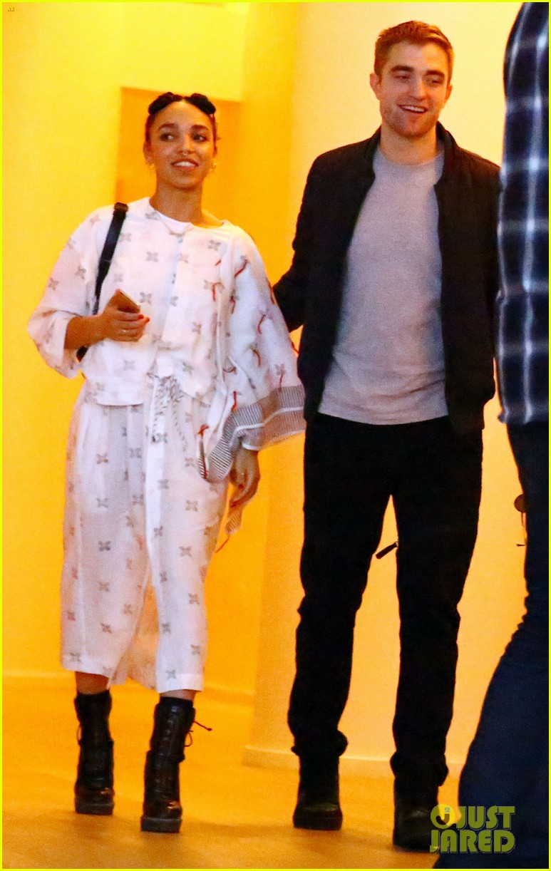 robert pattinson fka twigs split call off engagement 05
