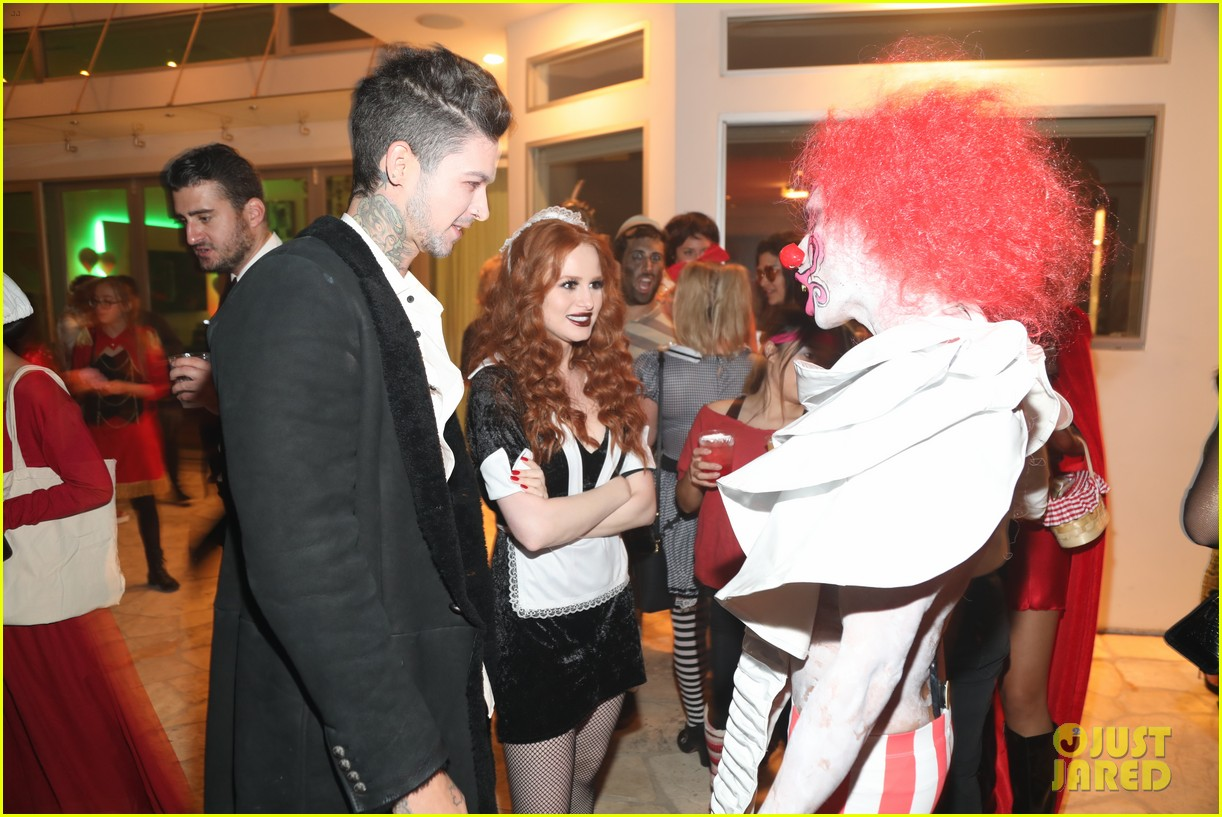madelaine petsch travis mills vanessa morgan just jared halloween party 04