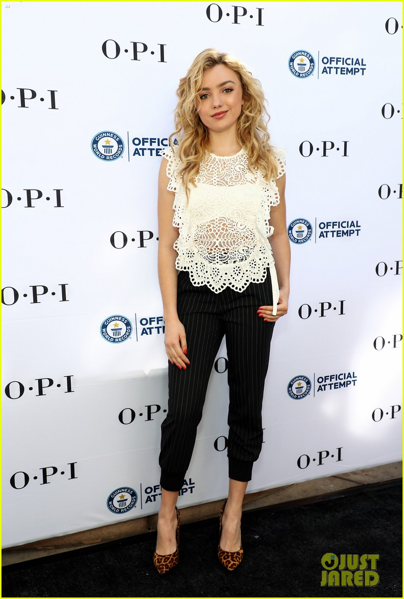 Peyton List Just Helped Break a World Record! | Photo 1118109 ...