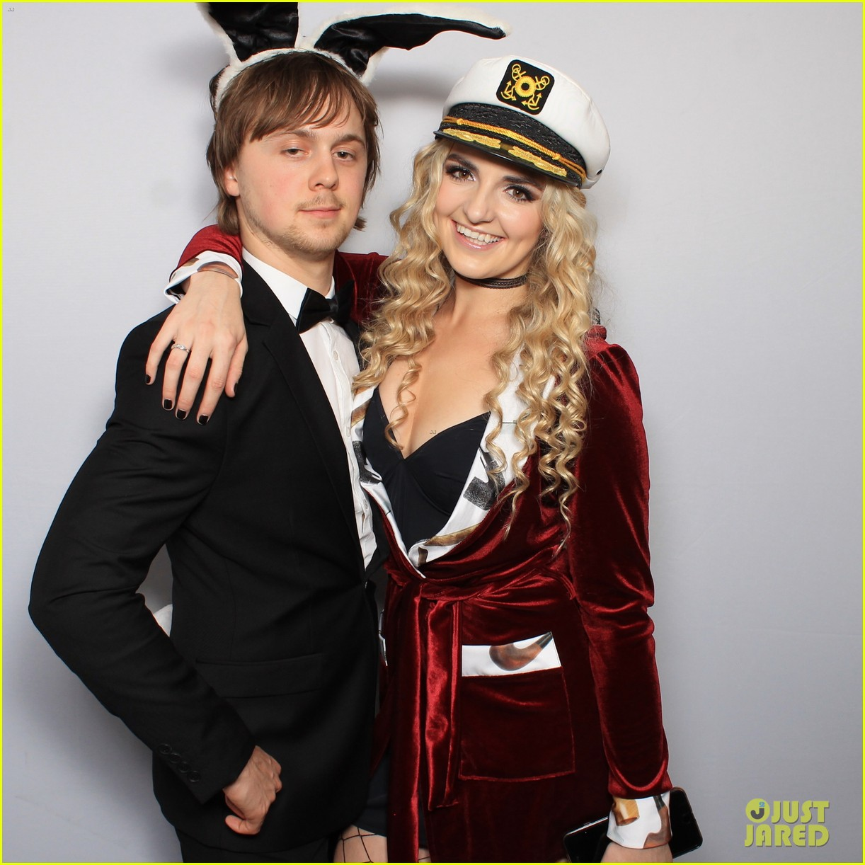r5 just jared halloween party photo booth 02