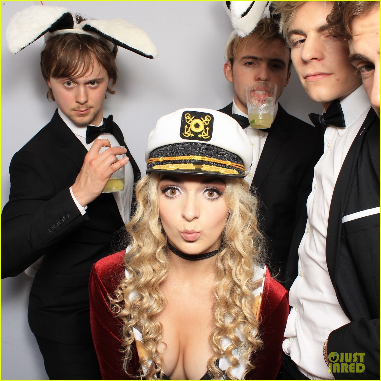 r5 just jared halloween party photo booth 08