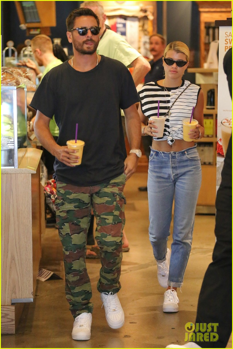 scott disick sofia richie grab coffee before flying out of town 01