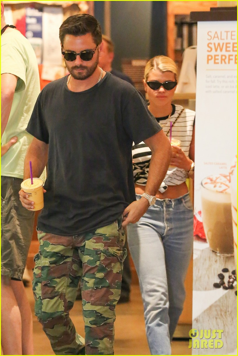 scott disick sofia richie grab coffee before flying out of town 04