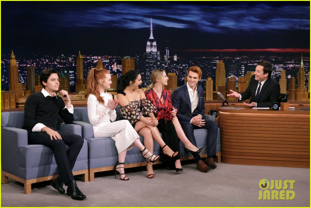 riverdale cast miley cyrus family face off in hilarious tonight show game show 03