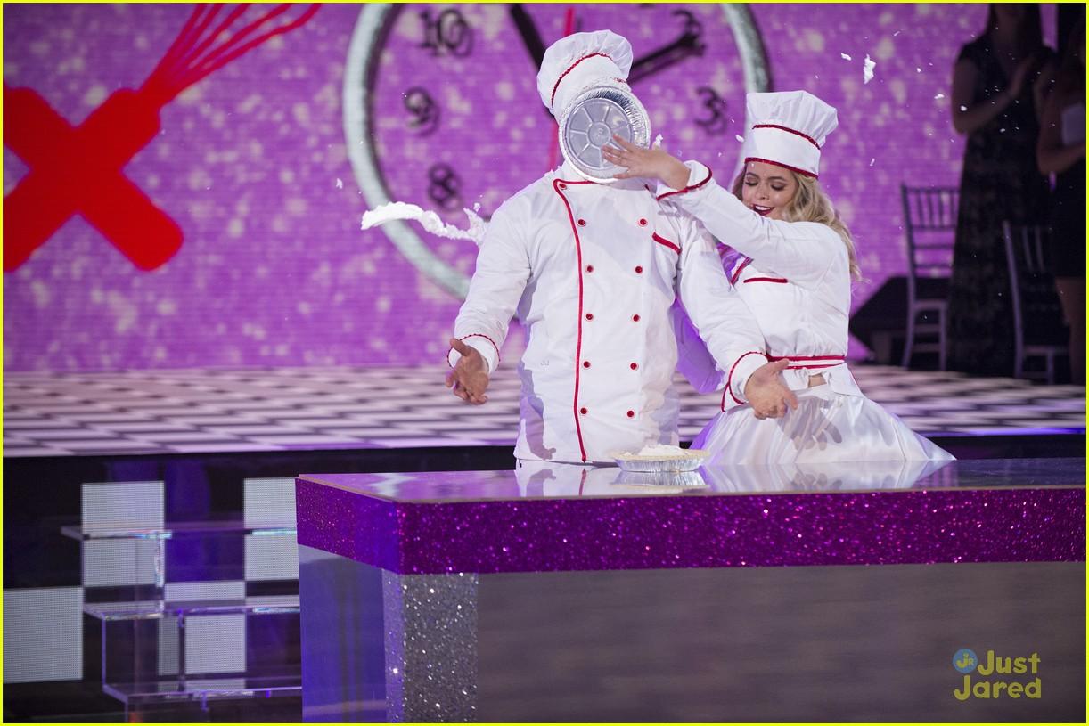 sasha pieterse brant daugherty pll dwts support baking pics 03