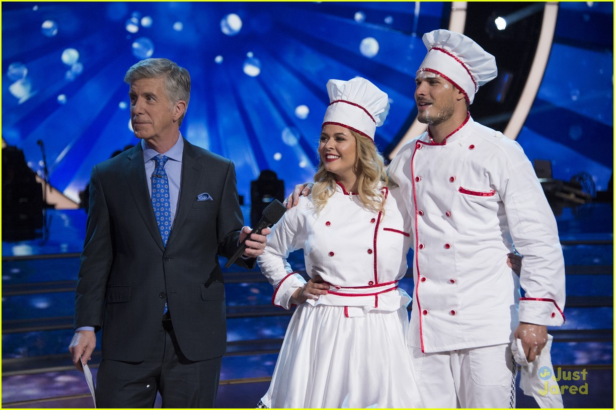 sasha pieterse brant daugherty pll dwts support baking pics 04