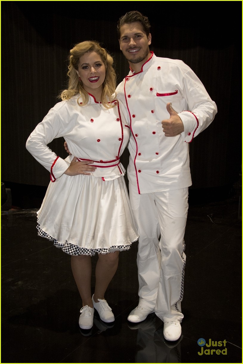 sasha pieterse brant daugherty pll dwts support baking pics 06