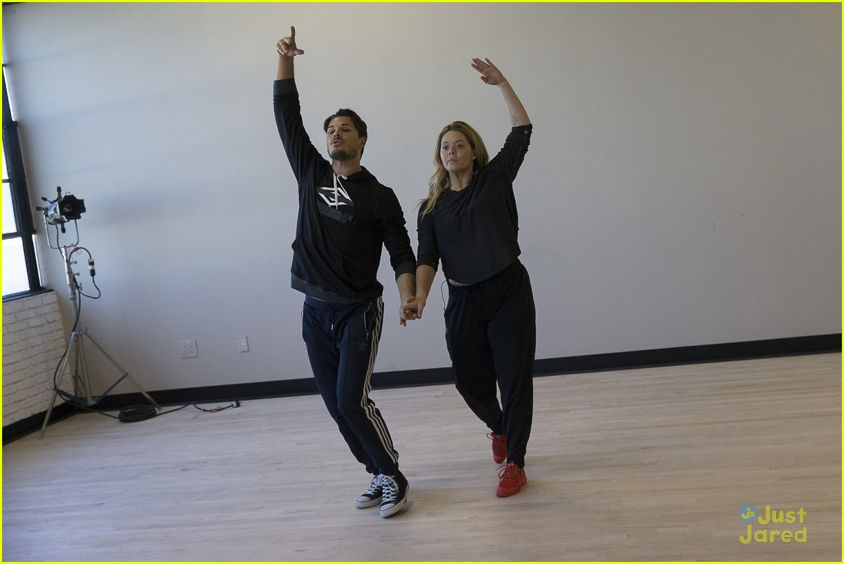 sasha pieterse talks wedding plans after dwts 02