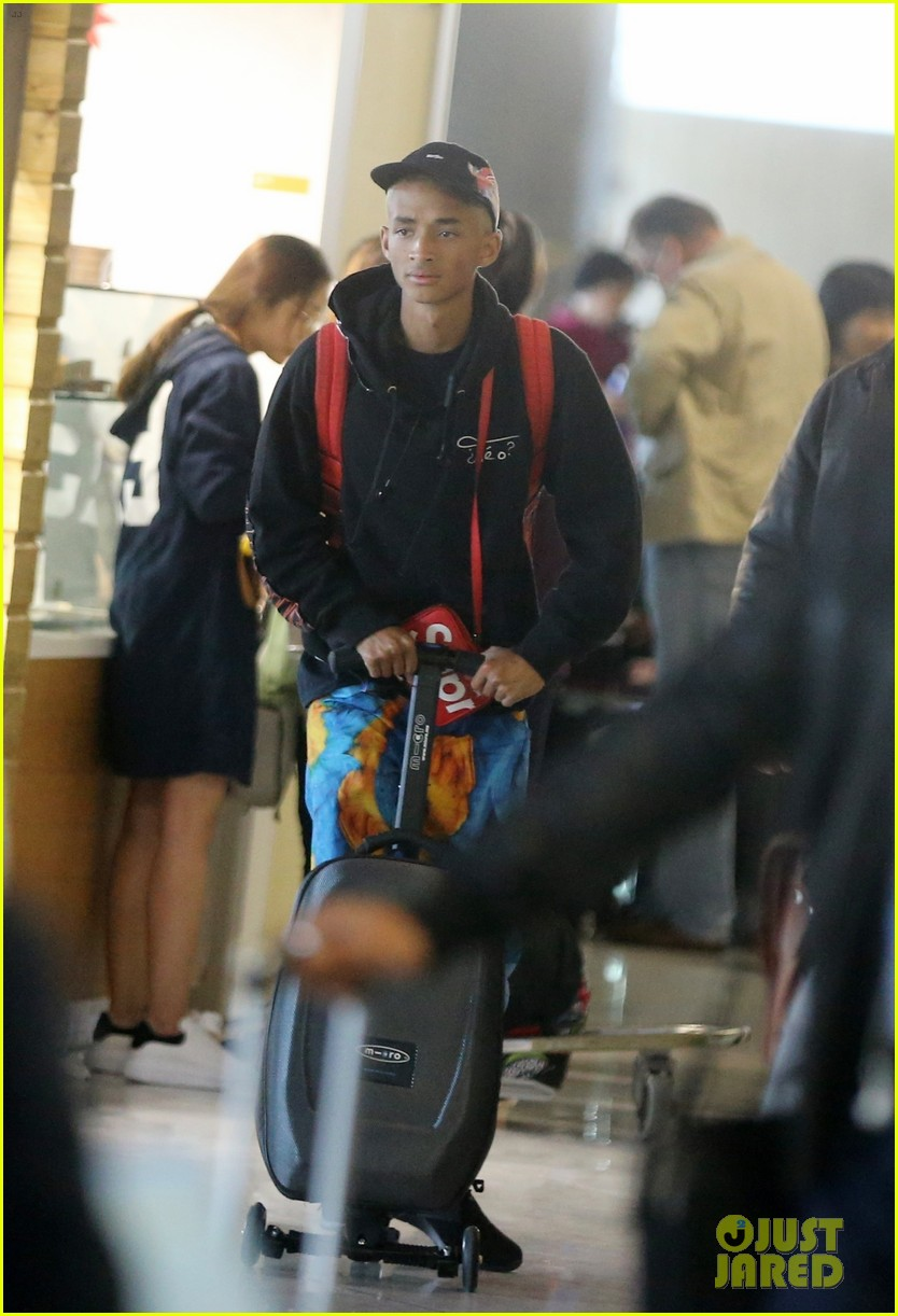 jaden smith scooters his way through paris and lax airports 03