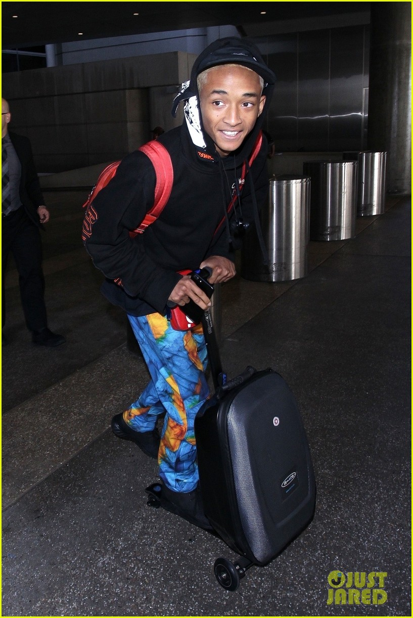 jaden smith scooters his way through paris and lax airports 05