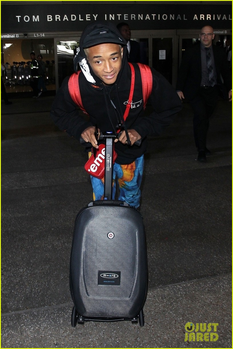 jaden smith scooters his way through paris and lax airports 09