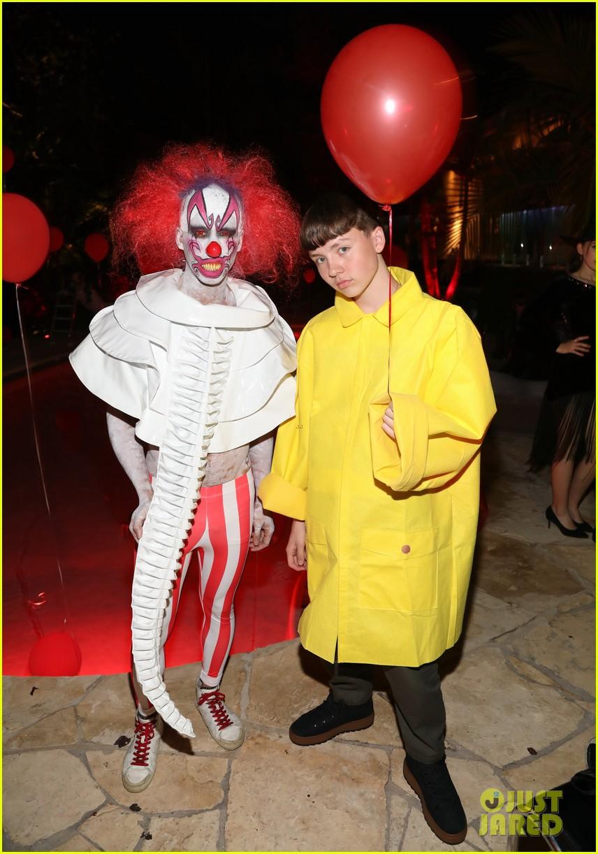 gregg sulkin just jared halloween party 03