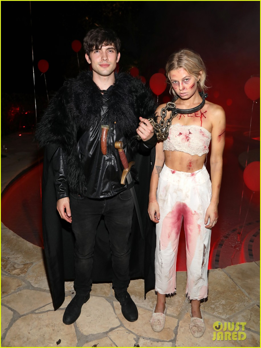 gregg sulkin just jared halloween party 09