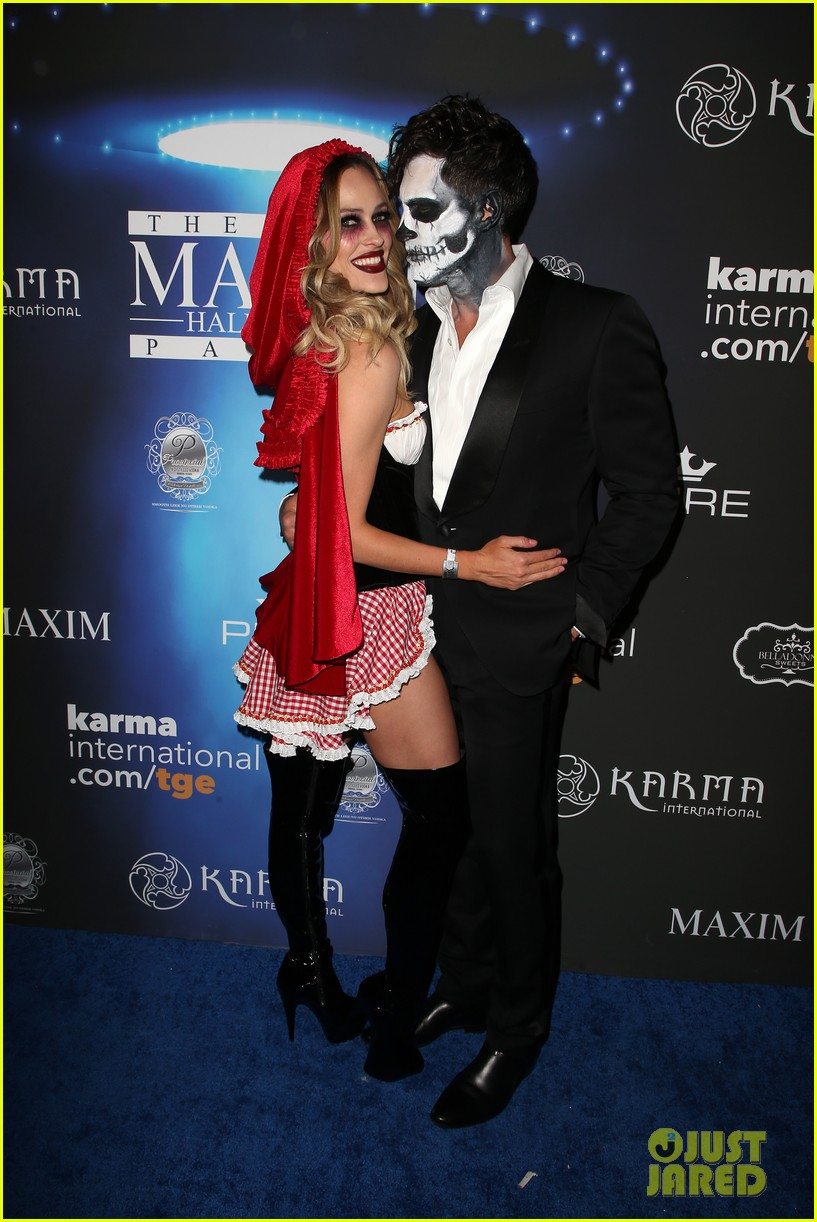 val maks chmerkovskiy show affection for their partners at maxim party 06