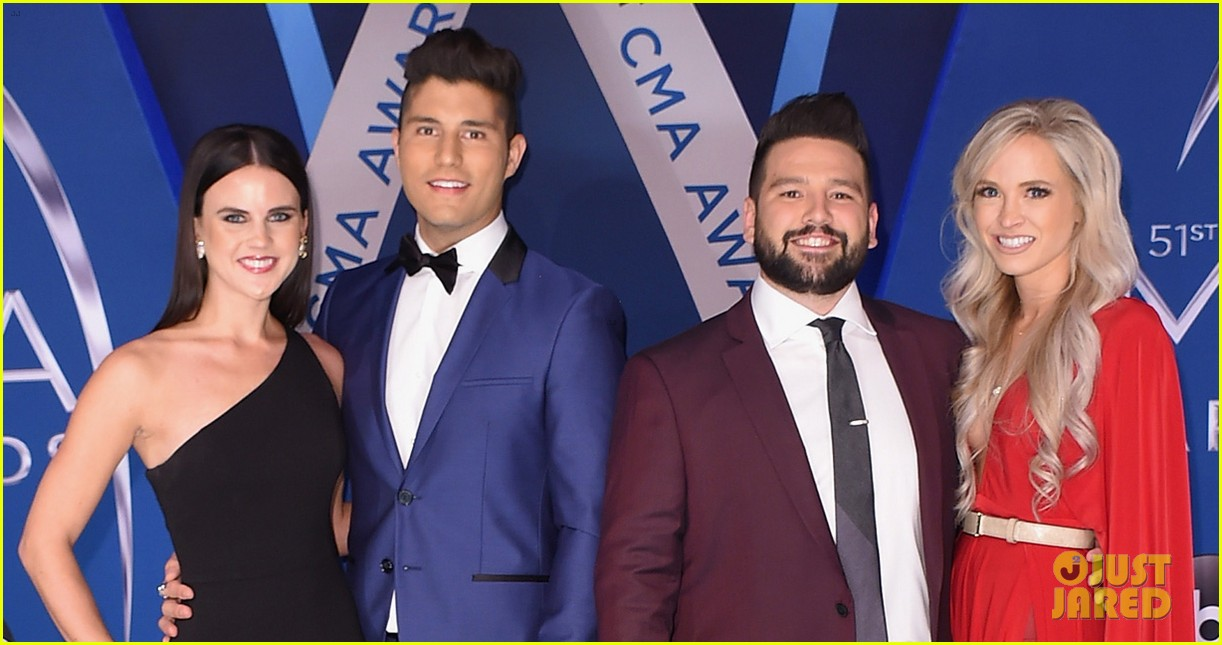 lauren alaina and dan and shay hit cma awards 2017 red carpet before performance 05