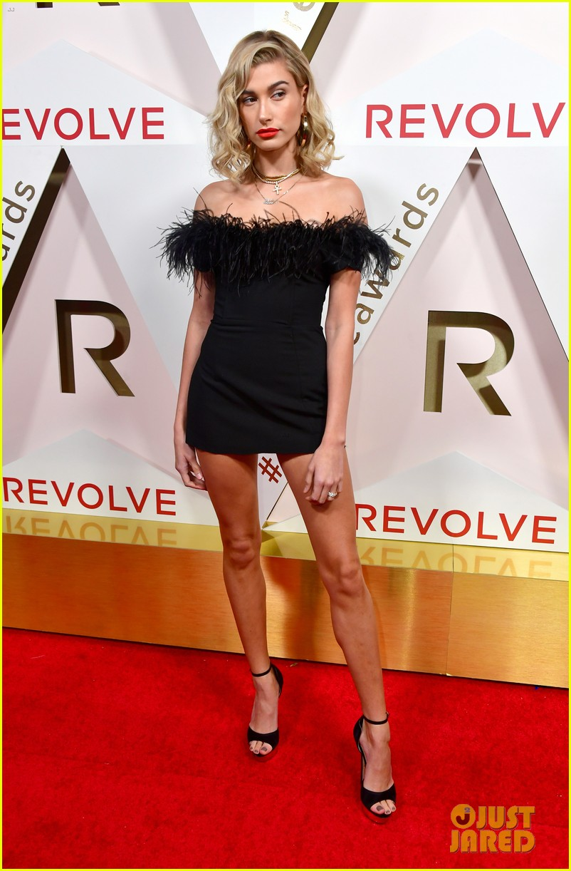 hailey baldwin and shay mitchell are beauties in black at revolve awards 2017 01