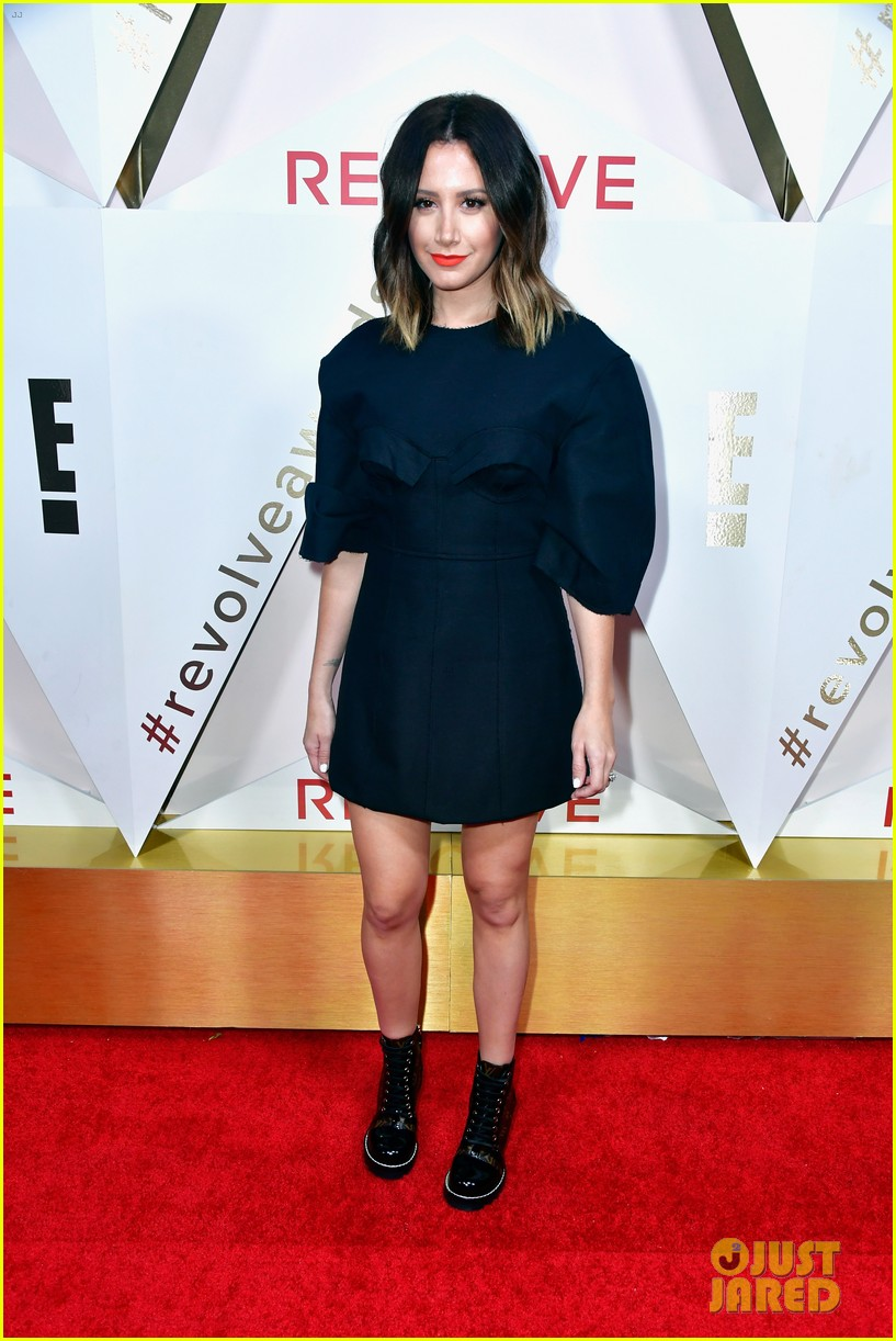 hailey baldwin and shay mitchell are beauties in black at revolve awards 2017 10