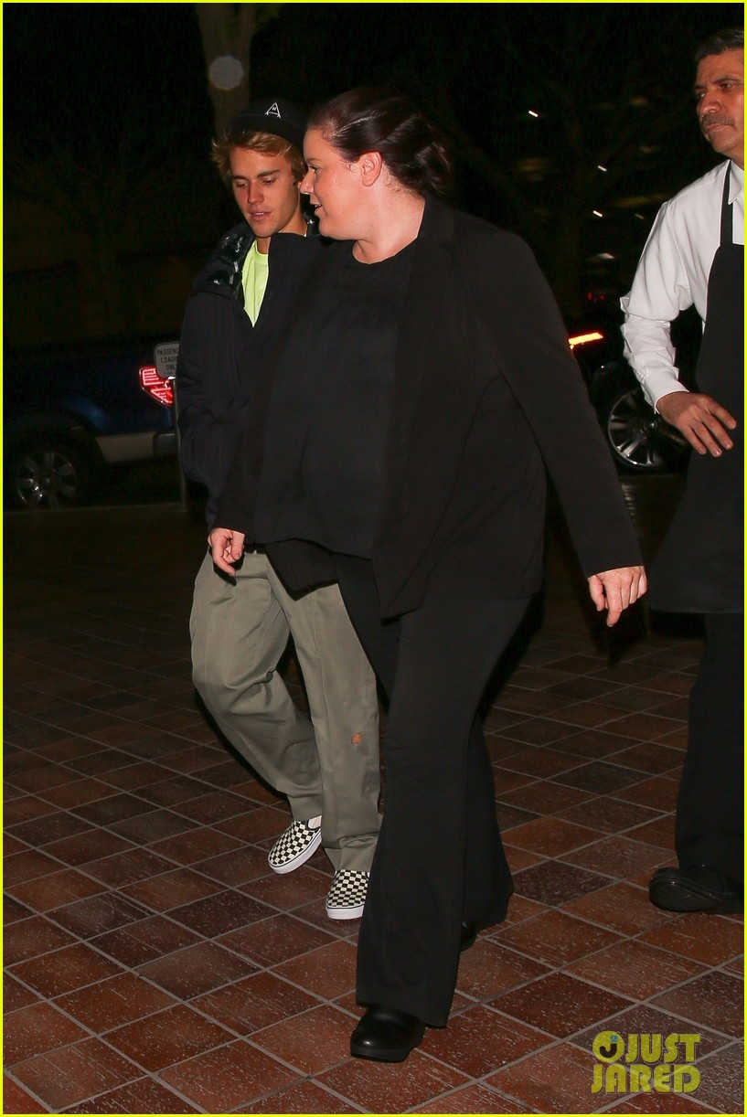 justin bieber selena gomez grab late night dinner after church 29