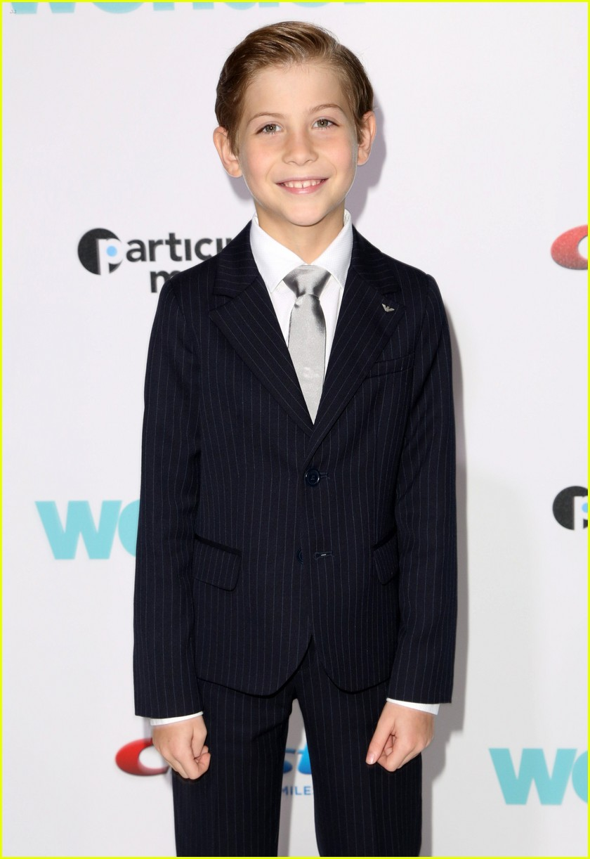 danielle rose russell jacob tremblay wonder premiere 14