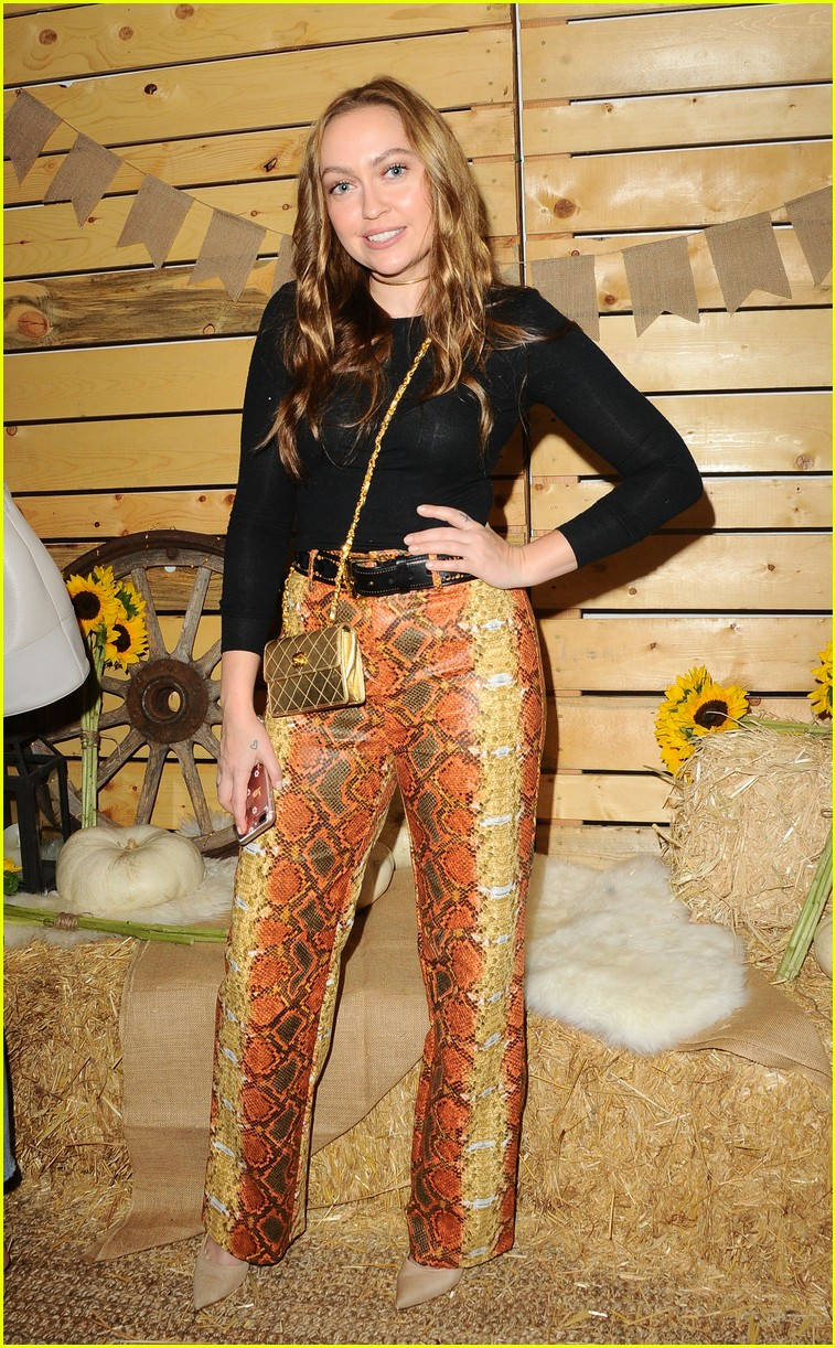 cara delevingne january jones jessica szohr and more step out for fall fashion event 08