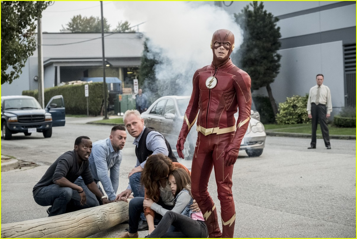 The Flash S Elongated Man Gets A Suit That Will Remind You Of The