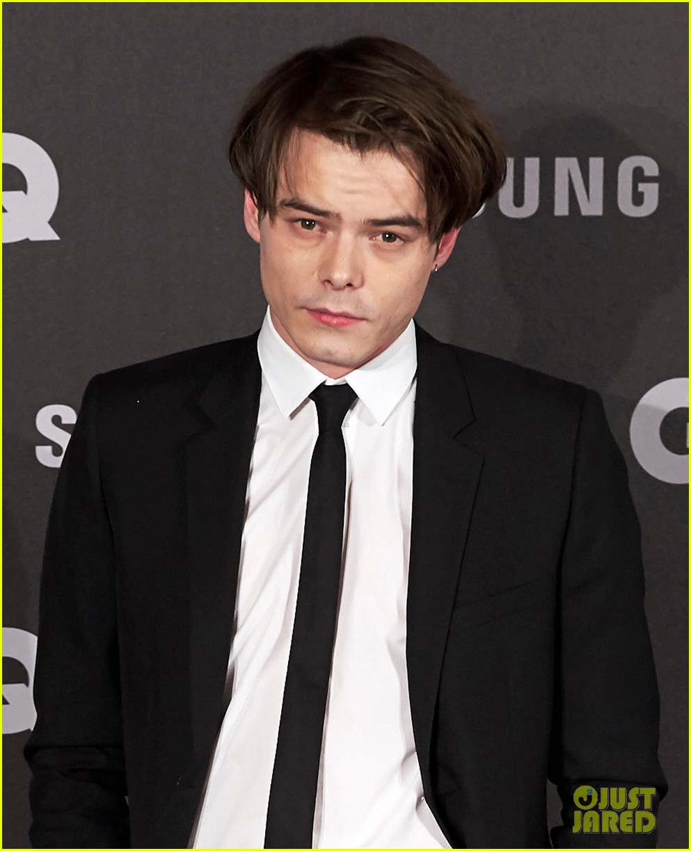 Charlie heaton rocks a skinny tie at gq men of the year awards 2017 charlie heaton looks dapper at gq men of the year awards 02 ccuart Choice Image