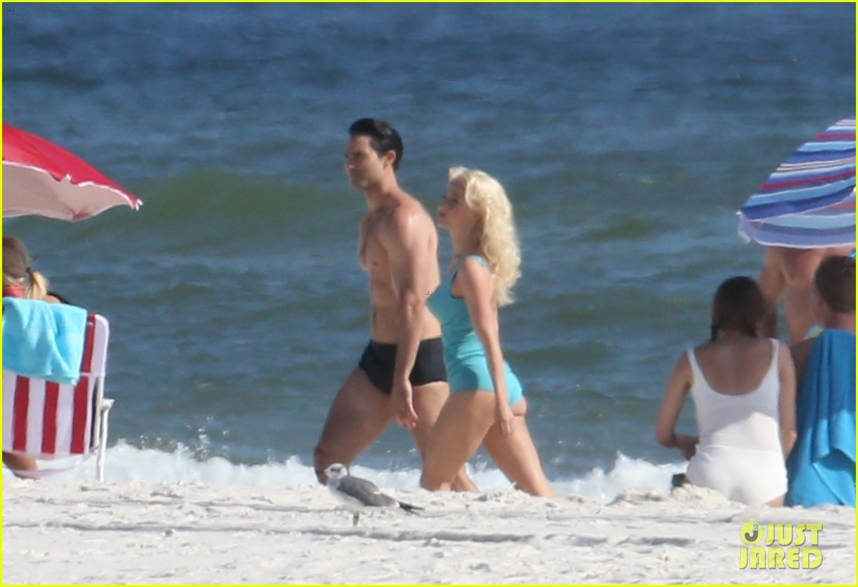 tyler hoechlin wears tiny swimsuit for bigger beach scene julianne hough 15