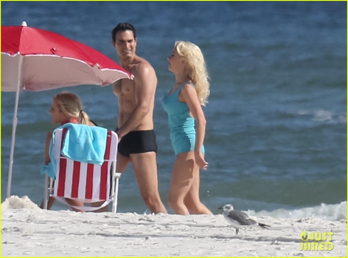 tyler hoechlin wears tiny swimsuit for bigger beach scene julianne hough 18