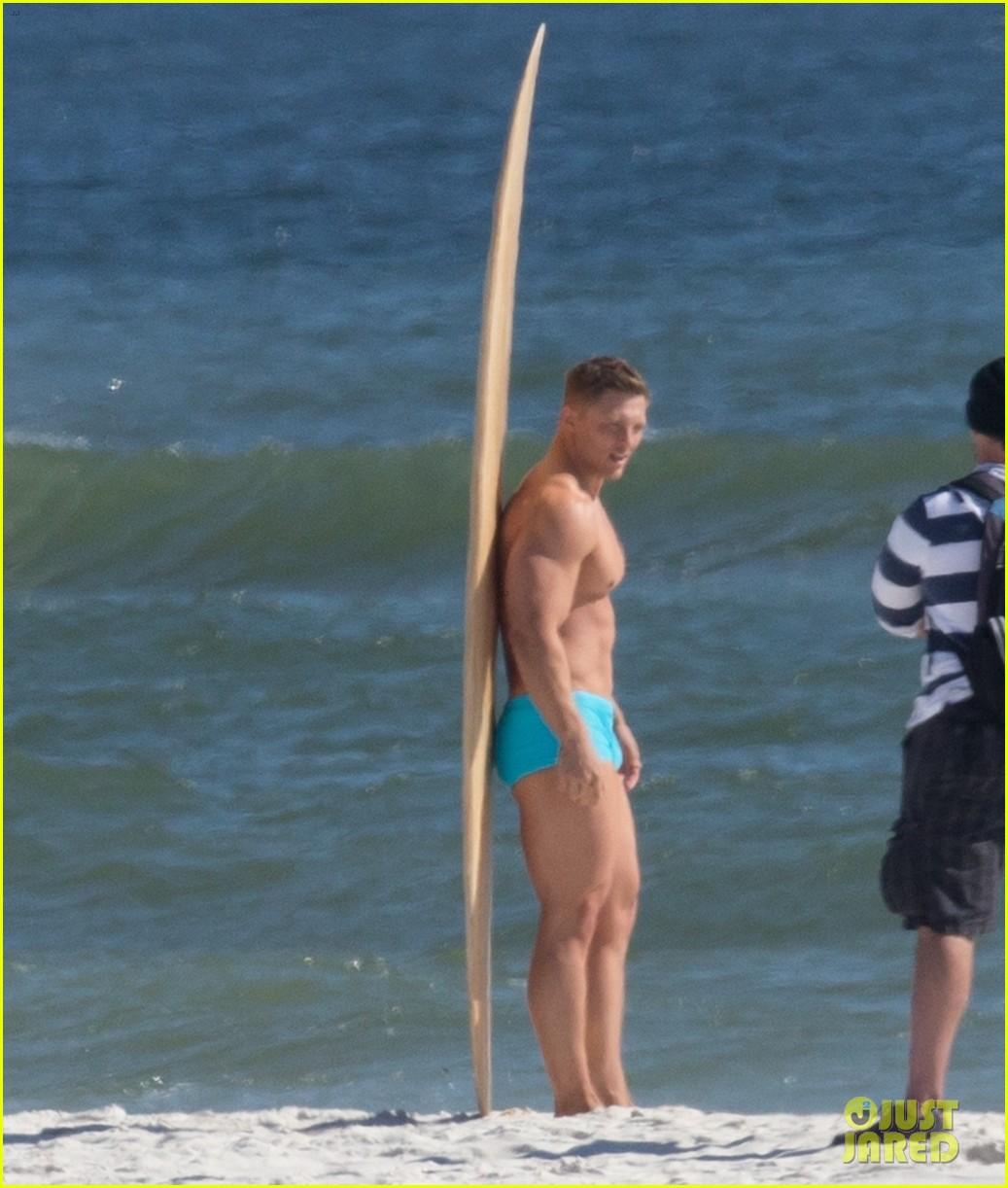 tyler hoechlin wears tiny swimsuit for bigger beach scene julianne hough 31