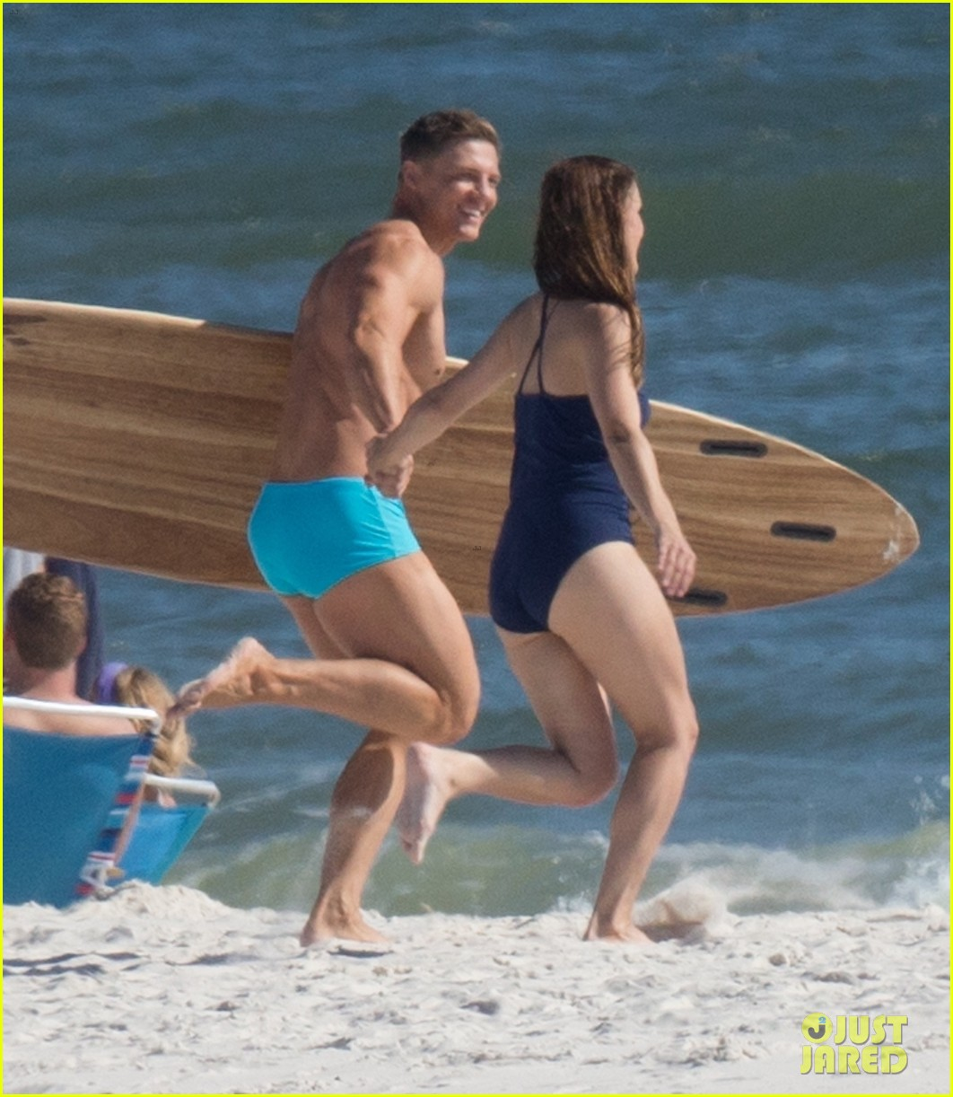 tyler hoechlin wears tiny swimsuit for bigger beach scene julianne hough 36
