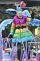 olivia holt angelica kat jojo parade pics 11