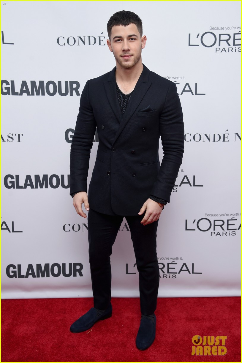 nick jonas and zendaya look sharp at glamours women of the year awards 2017 12