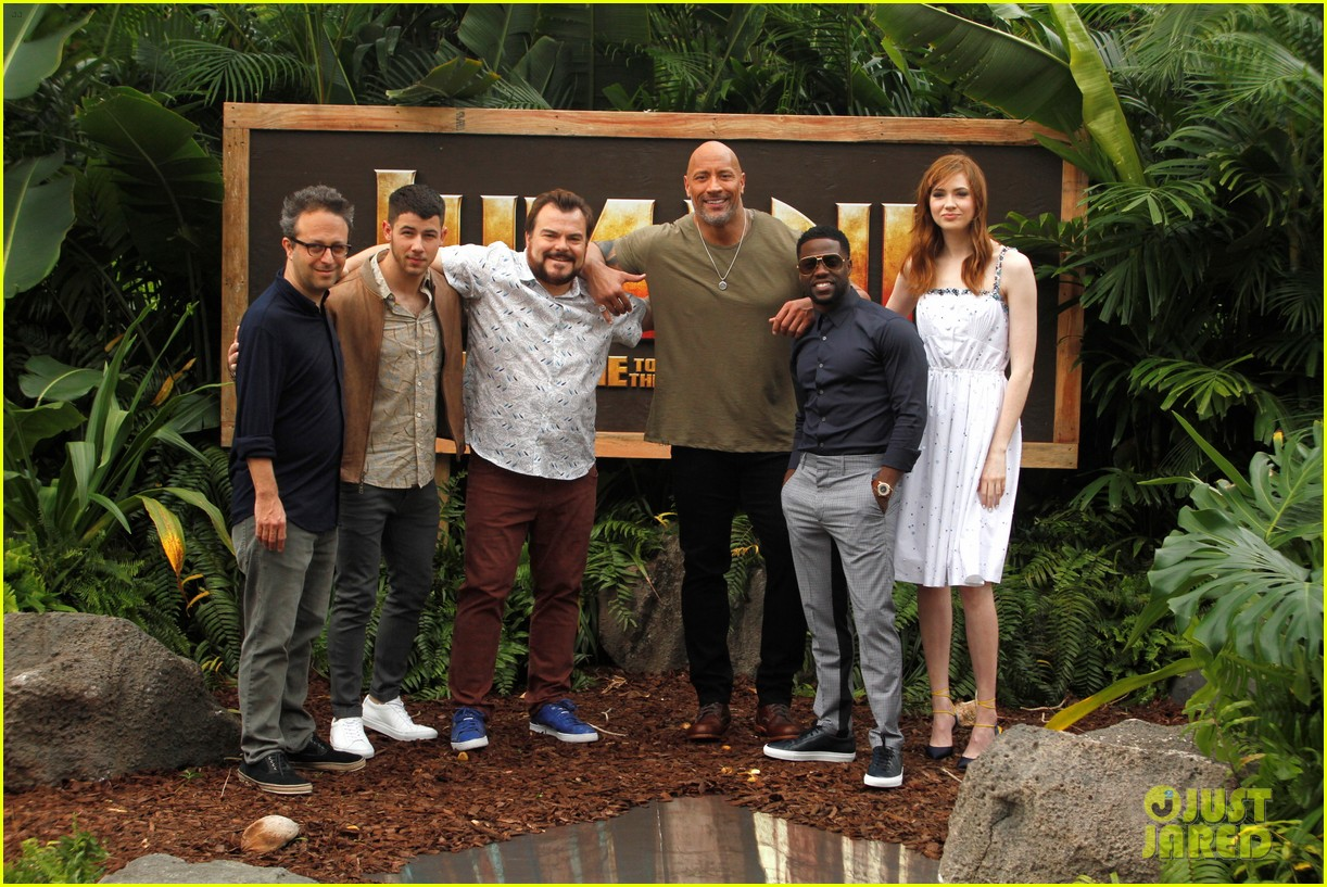 dwayne johnson nick jonas promote jumanji welcome to the jungle in hawaii 02