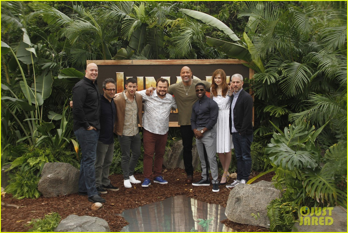 dwayne johnson nick jonas promote jumanji welcome to the jungle in hawaii 26